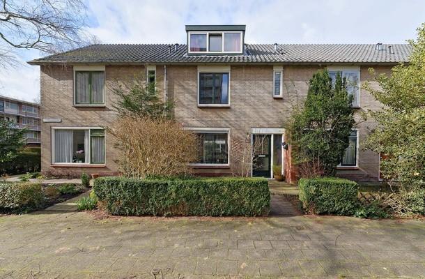 Lunshof makelaars Amstelveen en Amsterdam - De Parelvisserslaan 102   Amstelveen