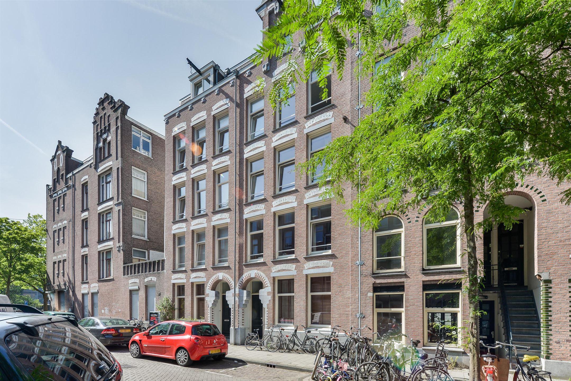 Lunshof makelaars Amstelveen en Amsterdam - Van Ostadestraat 5 I Amsterdam
