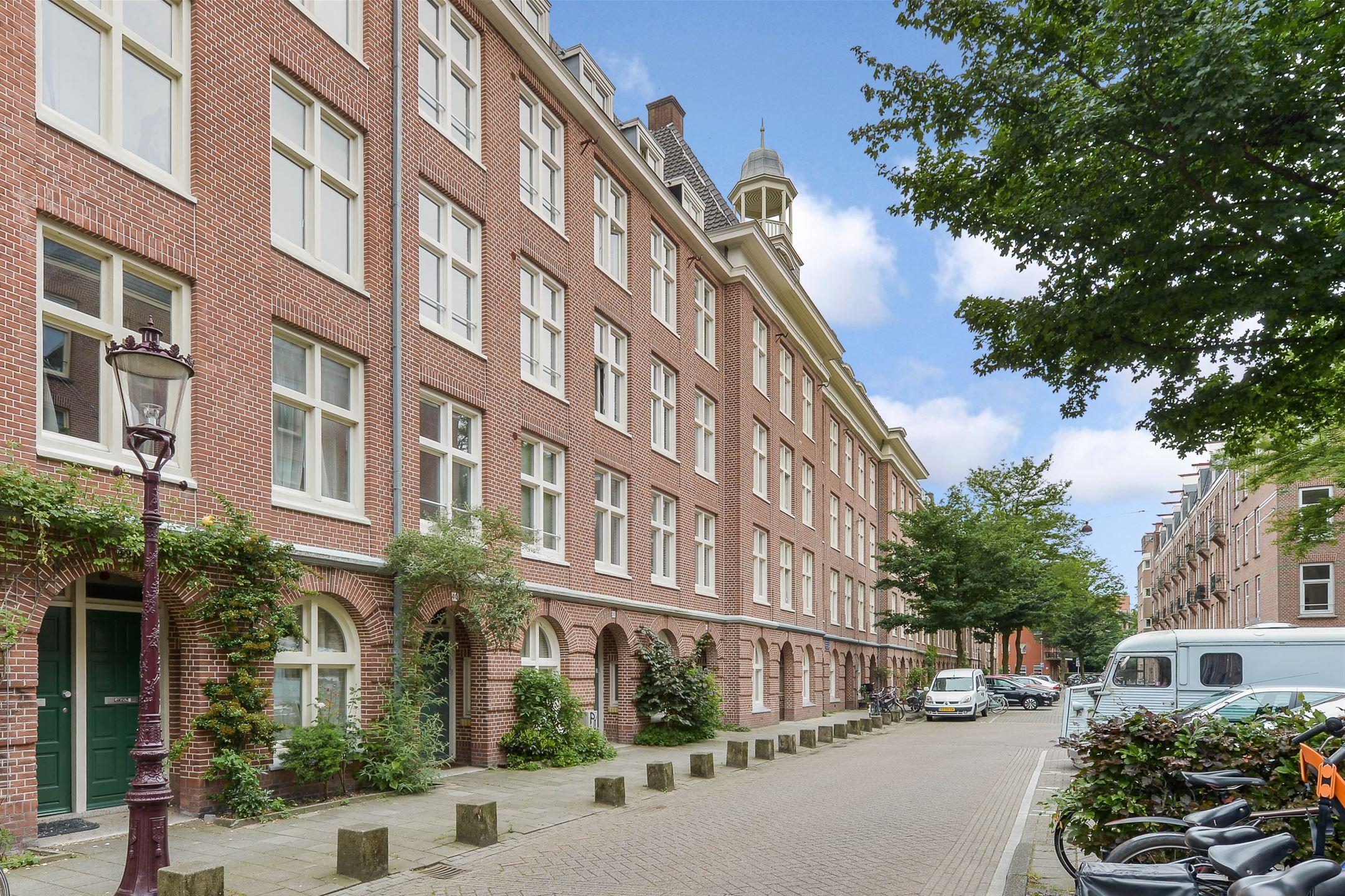 Lunshof makelaars Amstelveen en Amsterdam - Van Bossestraat 40 III Amsterdam