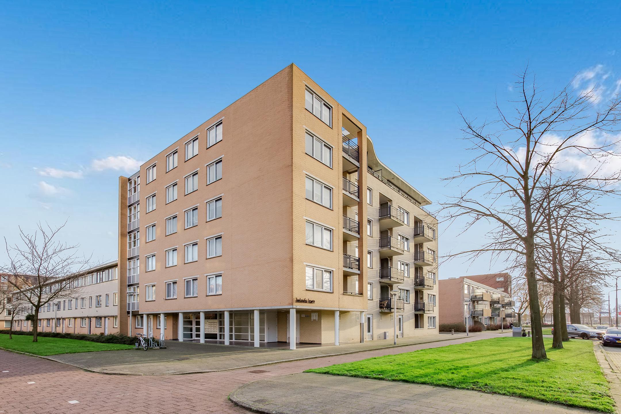 Lunshof makelaars Amstelveen en Amsterdam - Zeelandiahoeve 120  Amstelveen