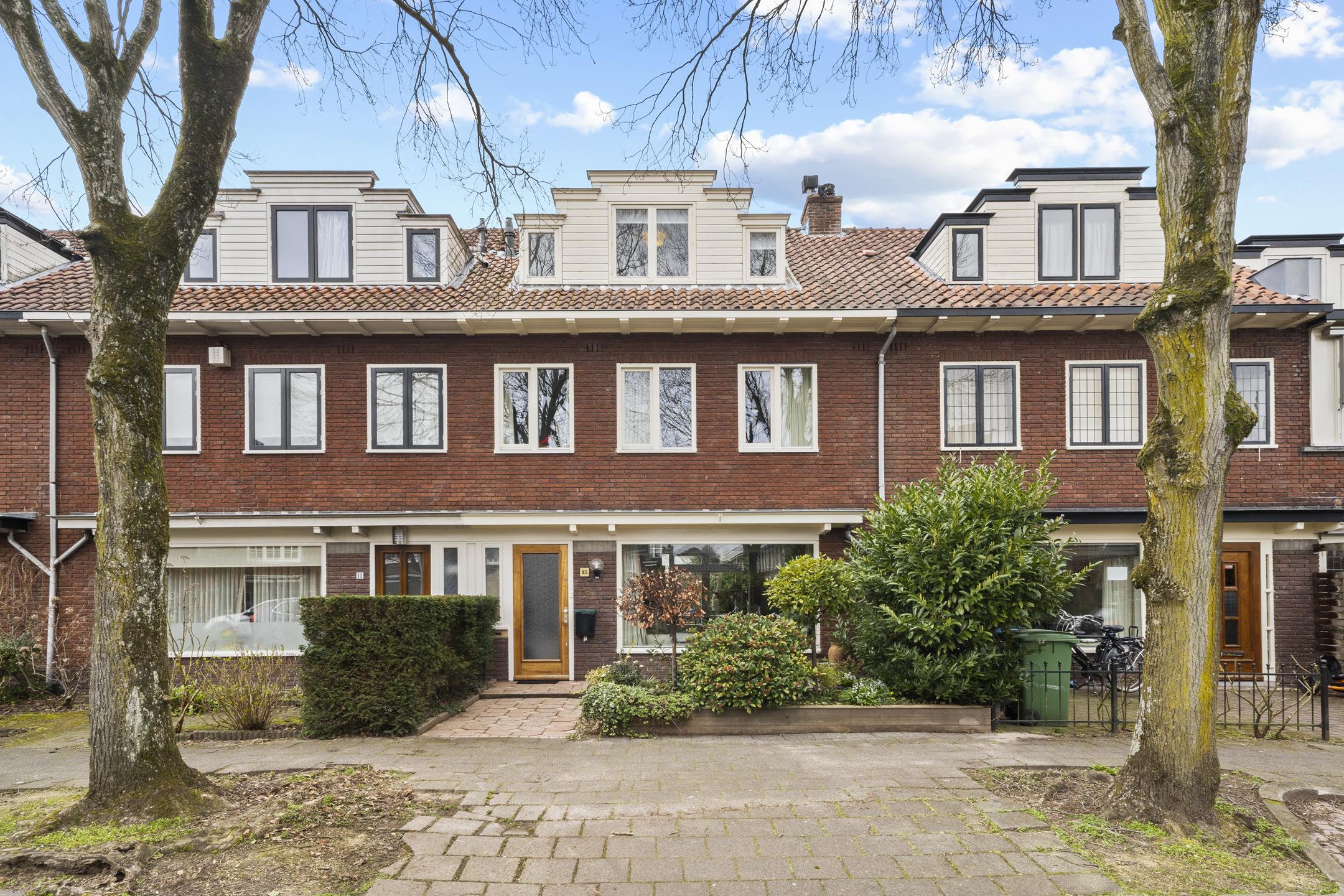 Lunshof makelaars Amstelveen en Amsterdam - Rijnier Pauwlaan 13  Amstelveen