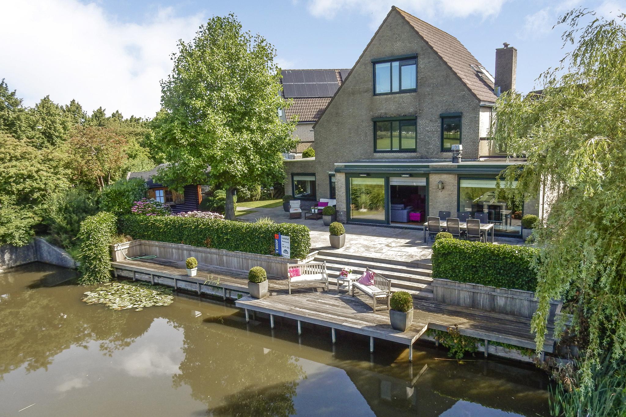 Lunshof makelaars Amstelveen en Amsterdam - Branding 10  AMSTELVEEN