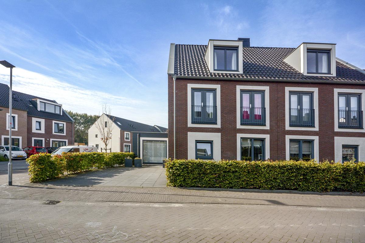 Lunshof makelaars Amstelveen en Amsterdam - Klaproos 8  OUDERKERK AAN DE AMSTEL